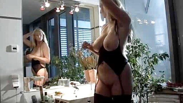 Loura vídeo pornô novinha transando com mulher excitada, esguicha-Braszers.